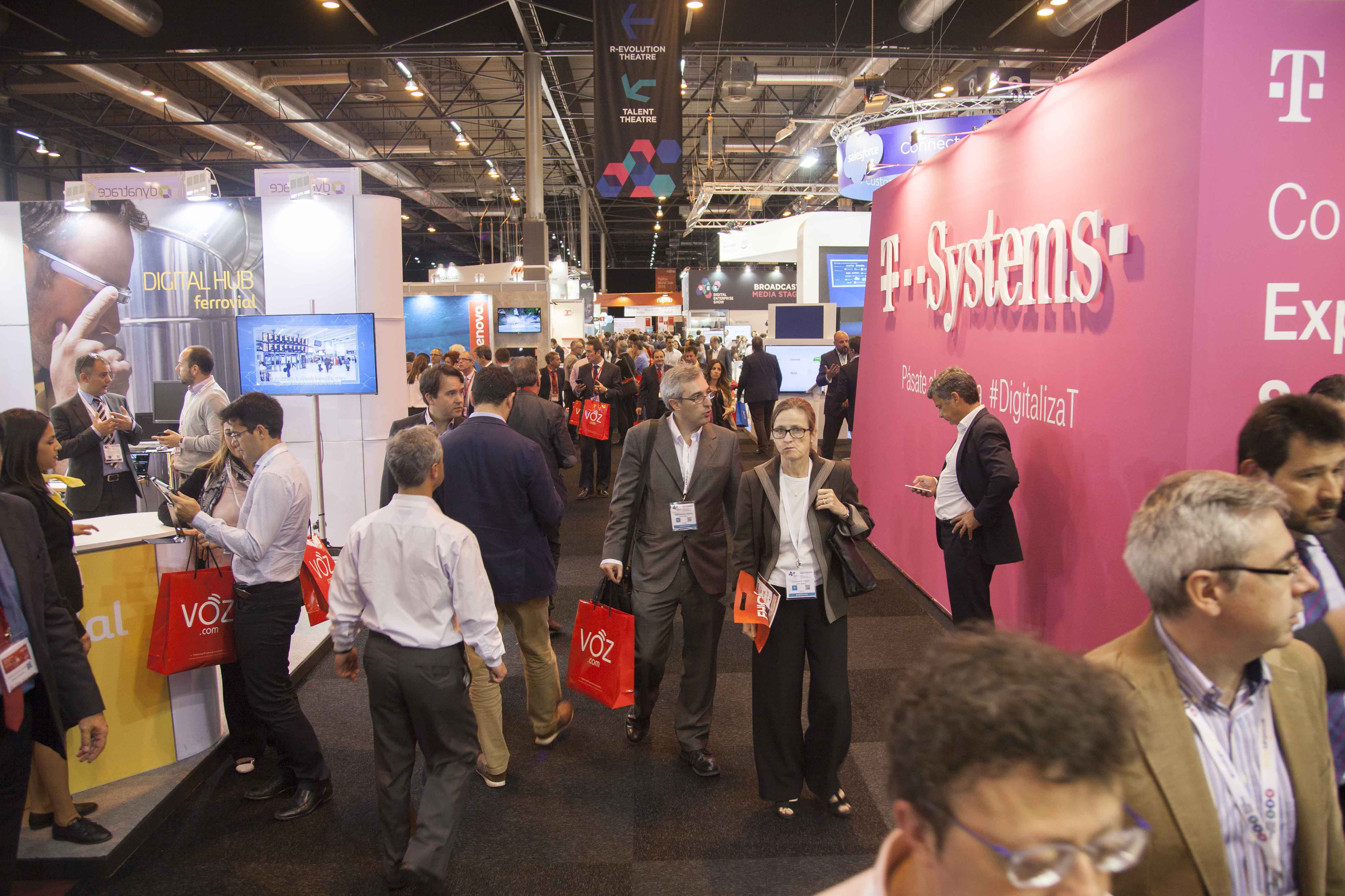 The second day of the event DES2016 combines the Masterminds Congress Program along with two Industry Programs: Fujitsu World Tour and Salesforce Essentials